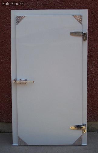 puertas-abatibles-puerta-para-refrigeración-2